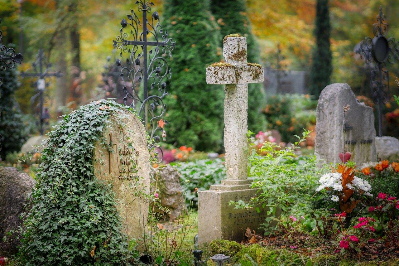 cemetery-4653166_1280
